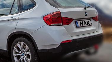 NAK und BMW-Aktien